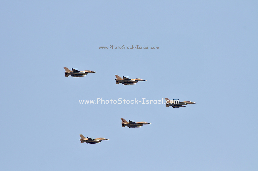 5 Israeli Air Force F-16 flying in formation