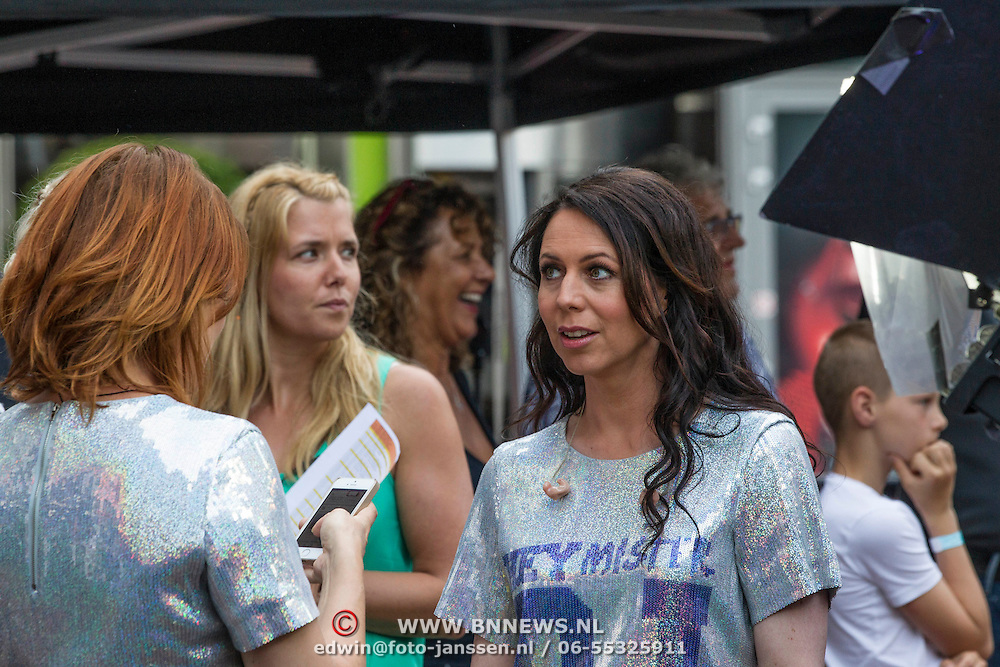 NLD/Amstelveen/20140610 - TROS Muziekfeest op het Plein 2014 Amstelveen, Kristel Verbeke