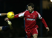 Photo: Chris Ratcliffe.<br /> Southend United v Swindon Town. Coca Cola League 1. 27/01/2006.<br /> Jamie Cureton of Swindon goes for the ball