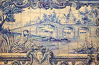 Portugal, Lisbonne, quartier de l'Alfama, monastère de Saint-Vincent de Fora ou Igreja de São Vicente de Fora, azulejos illustrant les Fables de La Fontaine // Portugal, Lisbon, Alfama, St Vincent de Fora monastery, Igreja de São Vicente de Fora, Historical azulejos, the blue-glazed ceramic tile, famous in the area, depict the fables of La Fontaine
