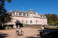 Europa, Deutschland, Duesseldorf, Schloss Benrath, Suedseite.<br /> <br /> Europe, Germany, Duesseldorf, castle Benrath, south side.