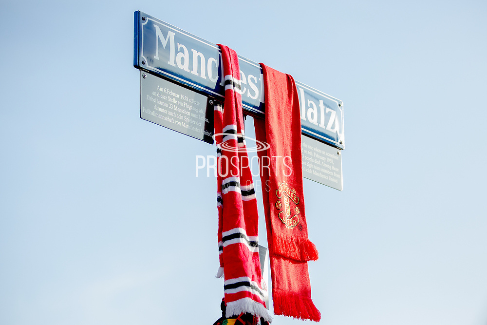 Manchester United scarves during the ceremony at Manchesterplatz, Munich, Germany. Picture by Phil Duncan.