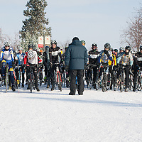 The start of the Men's 2/3 race.  ©Brian Nelson