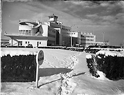 02/02/1956<br /> 02/02/1956<br /> 02 February 1956<br /> Snow scenes at Dublin Airport.