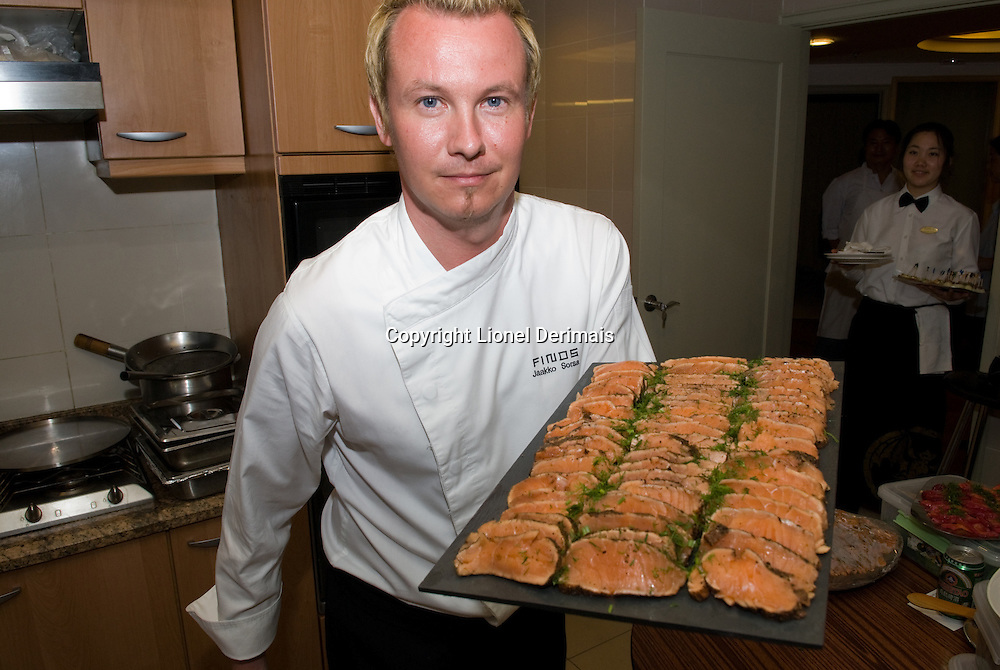 Finnish chef Jaakko Sorsa was for a night at the Finnish ambassador to China's residence in Beijing to promote Finnish cuisine. Jaakko Sorsa is the chef of the scandinavian restaurant FINDS (FInlandNorwayDenmarkSweden)in Hong Kong.