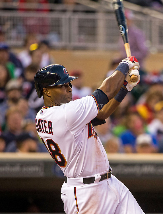 MINNEAPOLIS, MN- MAY 01: Torii Hunter #48 of the Minnesota Twins bats against the Chicago White Sox on May 1, 2015 at Target Field in Minneapolis, Minnesota. The Twins defeated the White Sox 1-0. (Photo by Brace Hemmelgarn) *** Local Caption *** Torii Hunter