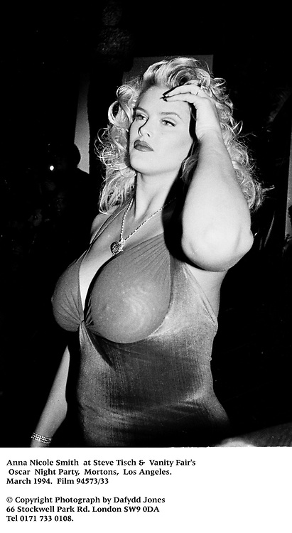 Anna Nicole Smith  at Steve Tisch &  Vanity Fair's Oscar Night Party,<br />