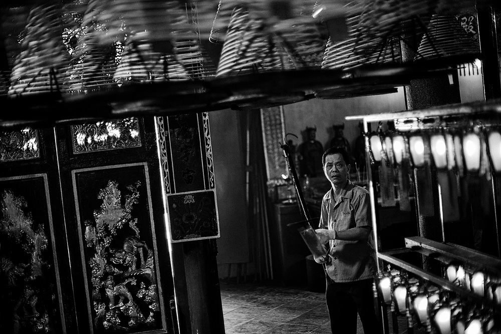 Hong Kong | 03.05.2017: Hong Kong <br /> <br /> hier:  Man Mo Temple auf Hong Kong Island<br />  <br /> Sascha Rheker<br /> 20170503<br /> <br /> [Inhaltsveraendernde Manipulation des Fotos nur nach ausdruecklicher Genehmigung des Fotografen. Vereinbarungen ueber Abtretung von Persoenlichkeitsrechten/Model Release der abgebildeten Person/Personen liegt/liegen nicht vor.]
