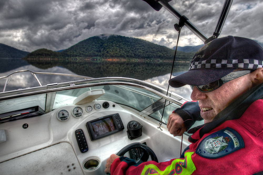 Mitta Mitta, one policeman town. Following the working life of Leading Senior Constable John Kissane. On Lake Dartmouth with Water Police Leading Senior Constable Brett Tanian. Pic By Craig Sillitoe CSZ/The Sunday Age.27/03/2012 This photograph can be used for non commercial uses with attribution. Credit: Craig Sillitoe Photography / http://www.csillitoe.com<br />