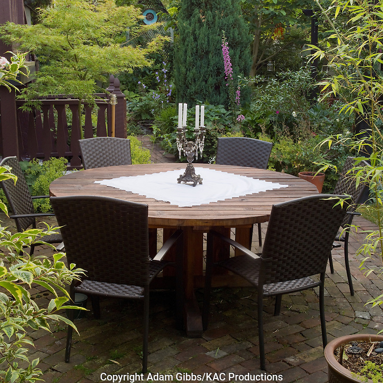round picnic table on patio