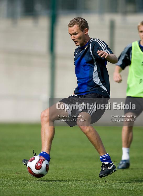 Jonatan Johansson. A-maajoukkueen harjoitukset 21.8.2007. Photo: Jussi Eskola
