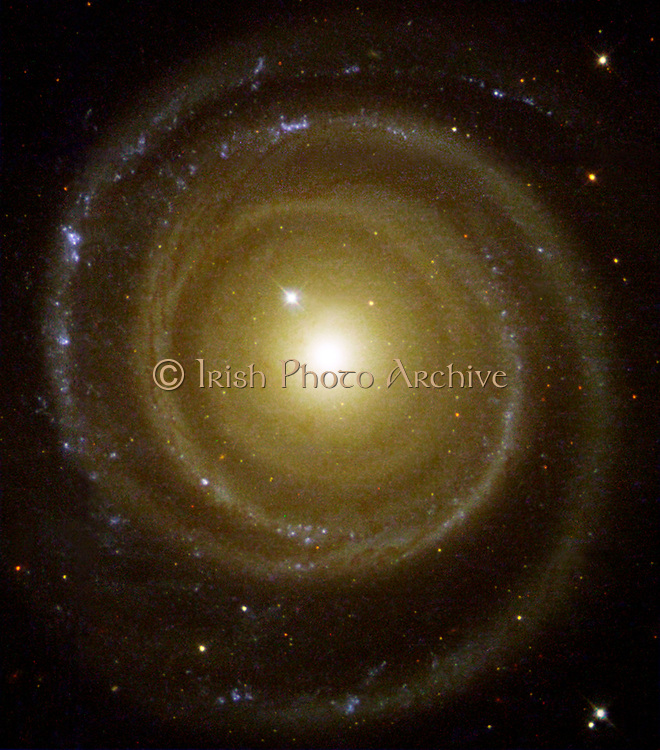 The galaxy NGC 4622, a spiral galaxy that may rotate in the opposite direction from what was expected. Hubble Space Telescope (HST).