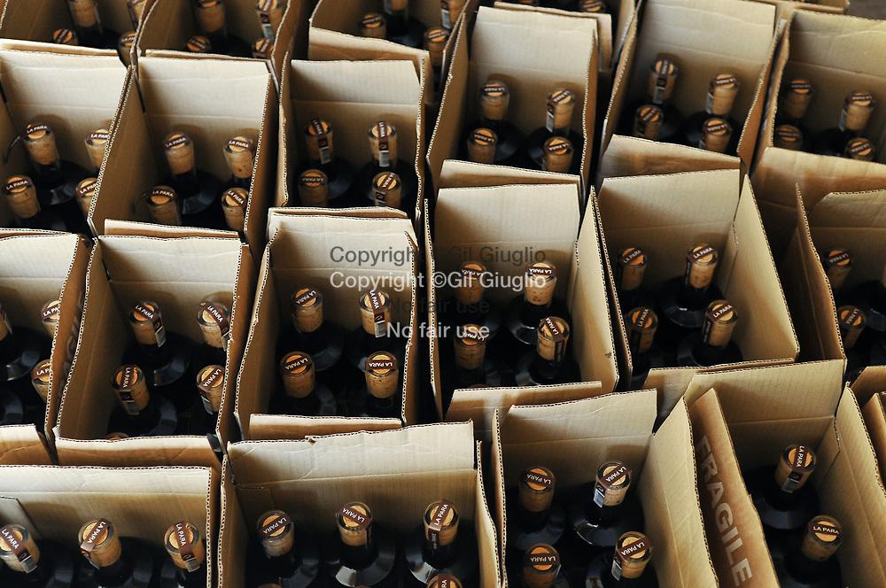France, Auvergne-Rhône-Alpes, Drôme (26), ville de Nyons, vinaigres artisanaux La Para // France, region of Auvergne Rhone-Alpes, department of Drome, Nyons, La Para company, craft and loval vinegars