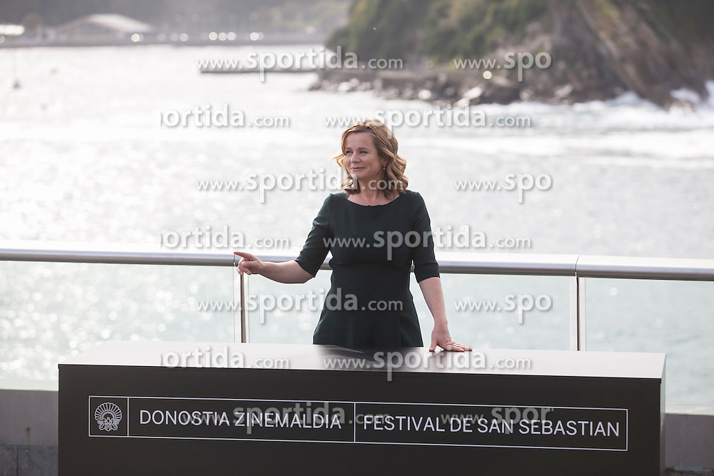 25.09.2015, Madrid, San Sebastian, ESP, San Sebastian International Film Festival, im Bild Awarded actress Emily Watson poses for the photographers at photocall during 63rd Donostia Zinemaldia (San Sebastian International Film Festival) in San Sebastian, Spain. September 25, 2015. (ALTERPHOTOS/Victor Blanco) // at 63rd Donostia Zinemaldia, San Sebastian International Film Festival in Madrid in San Sebastian, Spain on 2015/09/25. EXPA Pictures &copy; 2015, PhotoCredit: EXPA/ Alterphotos/ Victor Blanco<br /> <br /> *****ATTENTION - OUT of ESP, SUI*****