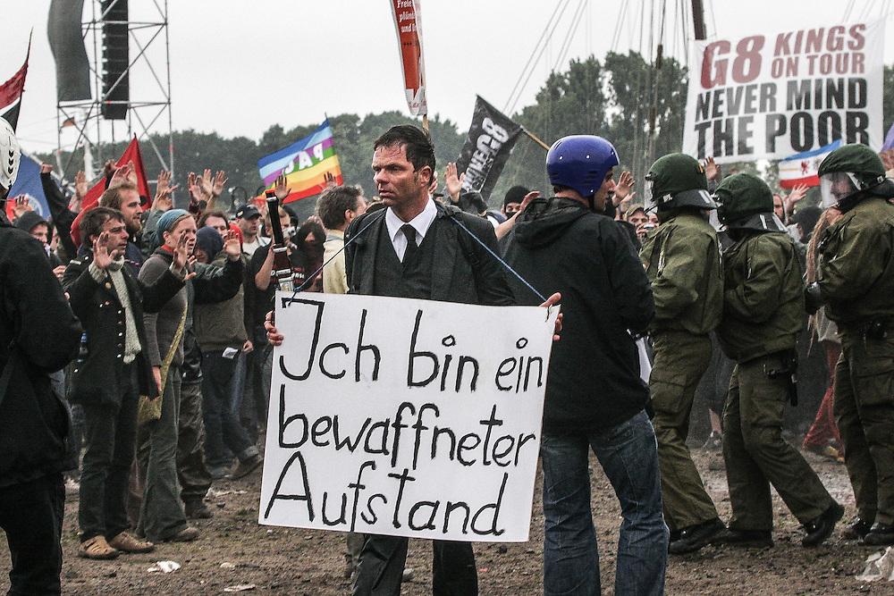 DEU Deutschland Germany Rostock Protestkundgebungen während des  G 8 Gipfels in Heiligendamm