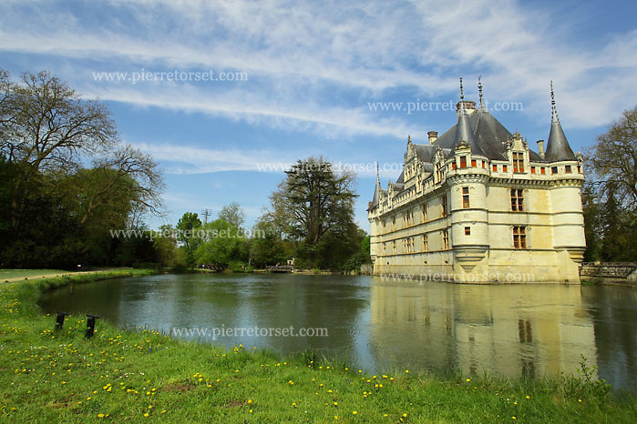 Located in the loire valley the chateau of azay le rideau was built