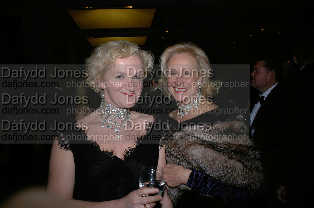 Kitty Arden and Aldine Honey, THE DINER DES TSARS in aid of UNICEF. To celebrate the launch of Quintessentially Wine, Guildhall. London. 29 March 2007.  -DO NOT ARCHIVE-© Copyright Photograph by Dafydd Jones. 248 Clapham Rd. London SW9 0PZ. Tel 0207 820 0771. www.dafjones.com.