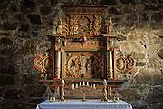 Logtun medieval church. Altertavlen i Logtun kirke i Frosta ble utskåret i 1652 og malt i 1655. Nord-Trøndelag.