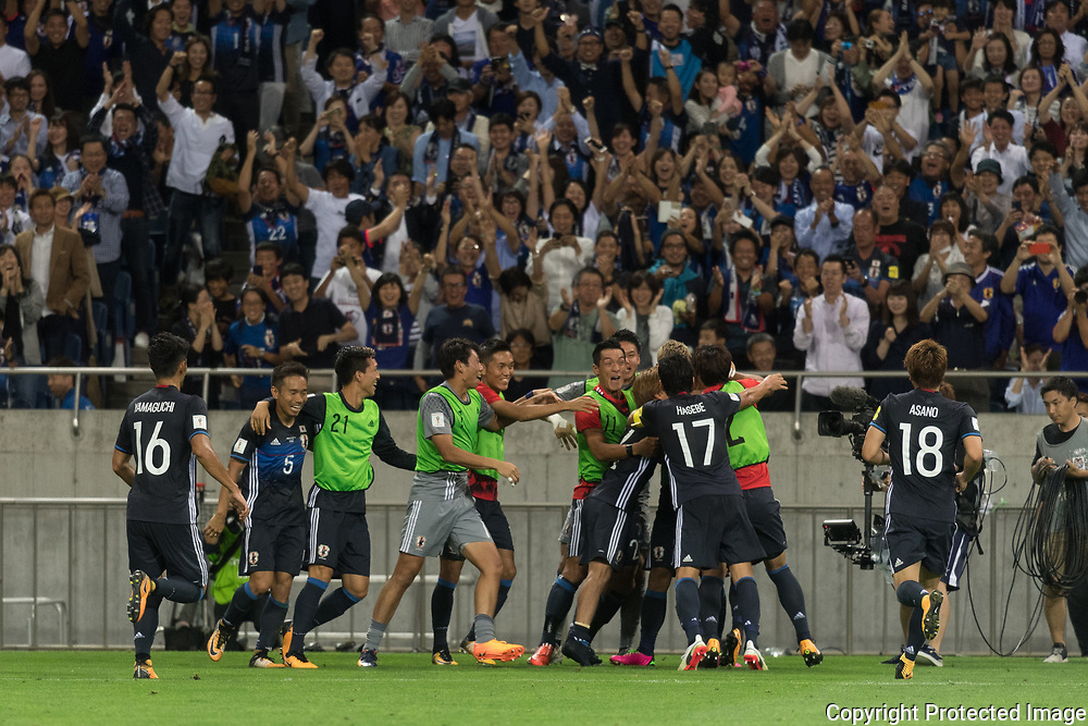 Football Soccer - Japan v Australia - World Cup 2018 Qualifier - Saitama Stadium 2002, Saitama, Japan - 31/08/17. Japanese team celebrate after scored their second goal. 31/08/2017-Saitama, JAPAN