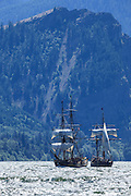 USA, Oregon, Hood River,  Lady Washington and Hawaiian Chieftain of the Grays Harbor Historical Seaport Authority.