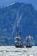 USA, Oregon, Hood River,  Lady Washington and Hawaiian Chieftain of the Grays Harbor Historical Seaport Authority.