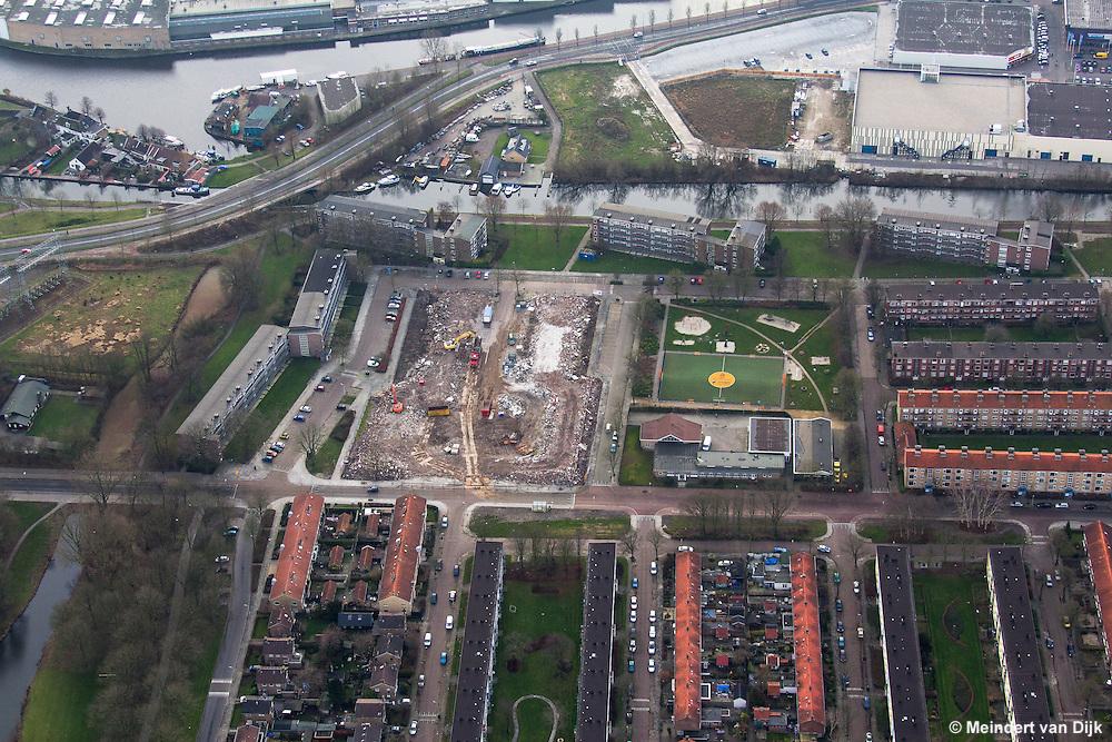 Sloop Hellingbaanflats Hagedoornplein te Leeuwarden (wijk Schieringen-Zuid).