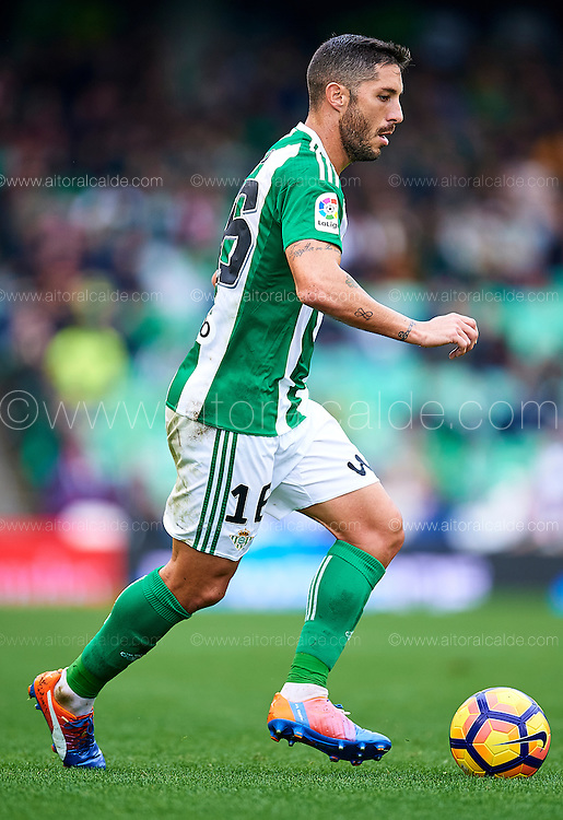 SEVILLE, SPAIN - DECEMBER 04:  Alvaro Cejudo of Real Betis Balompie in action during La Liga match between Real Betis Balompie an RC Celta de Vigo at Benito Villamarin Stadium on December 4, 2016 in Seville, Spain.  (Photo by Aitor Alcalde Colomer/Getty Images)