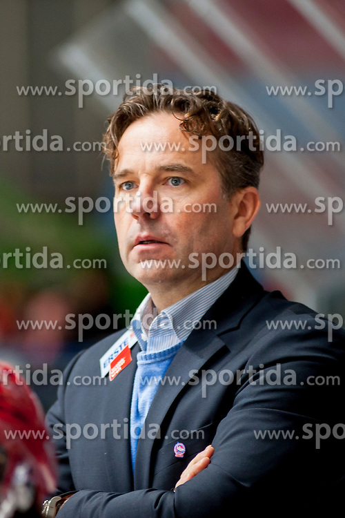 23.10.2016, Ice Rink, Znojmo, CZE, EBEL, HC Orli Znojmo vs HC TWK Innsbruck Die Haie, 13. Runde, im Bild Head Coach: Rob Pallin // during the Erste Bank Icehockey League 13th round match between HC Orli Znojmo and HC TWK Innsbruck Die Haie at the Ice Rink in Znojmo, Czech Republic on 2016/10/23. EXPA Pictures © 2016, PhotoCredit: EXPA/ Rostislav Pfeffer