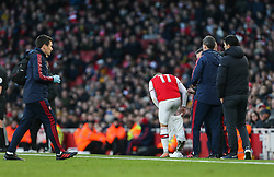 Lucas Torreira of Arsenal changes his blood soaked shorts - Mandatory by-line: Arron Gent/JMP - 18/01/2020 - FOOTBALL - Emirates Stadium - London, England - Arsenal v Sheffield United - Premier League