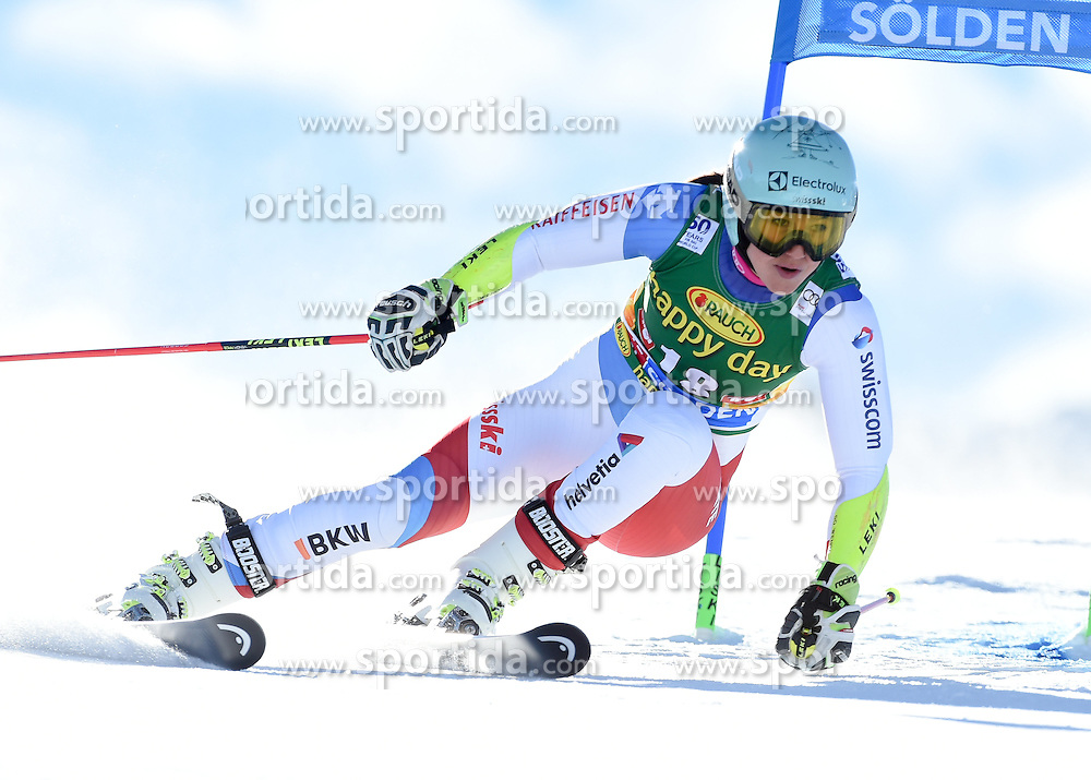 22.10.2016, Rettenbachferner, Soelden, AUT, FIS Weltcup Ski Alpin, Soelden, Riesenslalom, Damen, 1. Durchgang, im Bild Wendy Holdener of Switzerland // in action during 1st run of ladies Giant Slalom of the FIS Ski Alpine Worldcup opening at the Rettenbachferner in Soelden, Austria on 2016/10/22. EXPA Pictures © 2016, PhotoCredit: EXPA/ Erich Spiess