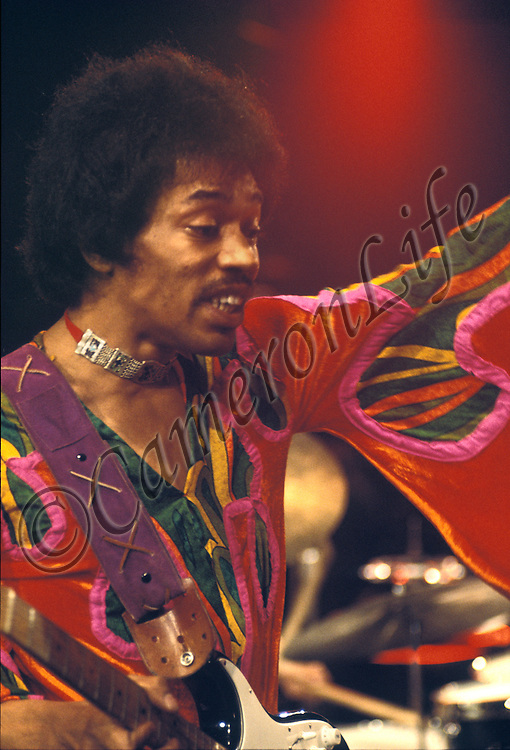 Jimi Sleeve &ndash; by Charles Everest - Limited Edition Giclee Print &ndash; image size 609 x 414 mm on Hahnemuhle 285 gsm Fine Art Pearl Paper. <br />