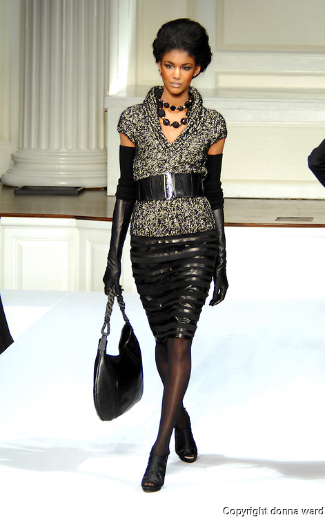 A model wears a creation by Oscar de la Renta during Mercedes-Benz Fashion Week Fall 2009 show in New York City, USA on February 18, 2008.