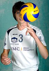 08-10-2009 VOLLEYBAL: PHOTOSHOOT SSS: BARNEVELD<br /> Photoshoot SSS A League seizoen 2009 - 2010 / Maarten van Garderen<br /> ©2009-WWW.FOTOHOOGENDOORN.NL