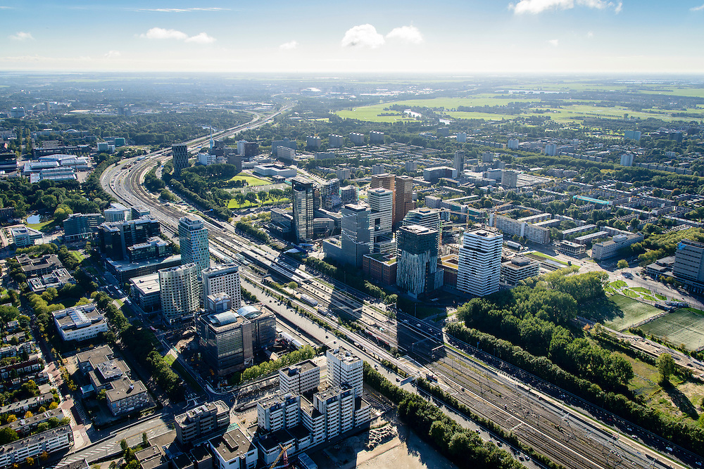 Nederland, Noord-Holland, Amsterdam, 27-09-2015; Overzicht Zuid-as, Ringweg A10 en Station Zuid-WTC.<br /> Zuid-as, South axis, Amsterdam equivalent of 'the City', financial district.<br /> luchtfoto (toeslag op standard tarieven);<br /> aerial photo (additional fee required);<br /> copyright foto/photo Siebe Swart