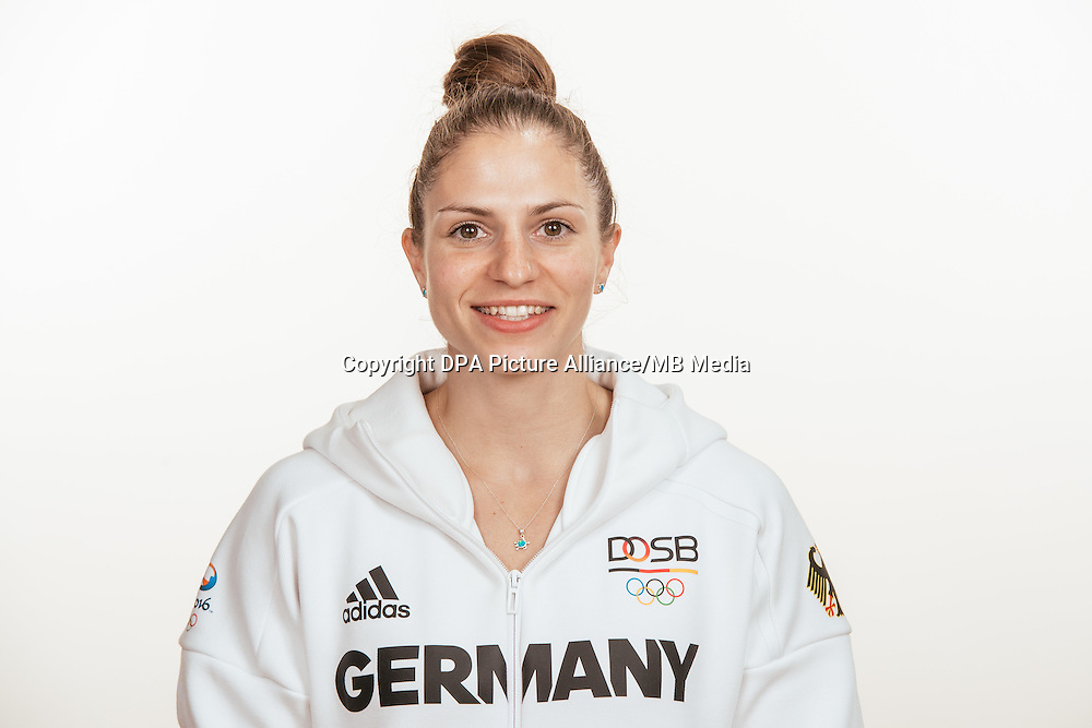Franziska Hildebrand poses at a photocall during the preparations for the Olympic Games in Rio at the Emmich Cambrai Barracks in Hanover, Germany, taken on 20/07/16 | usage worldwide