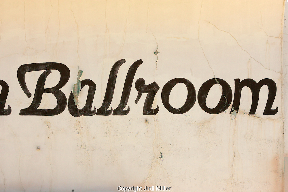 The word ballroom painted on the side of a dance studio.