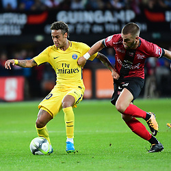 Neymar JR of PSG and Lucas Deaux of Guingamp during the Ligue 1 match between EA Guingamp and Paris Saint Germain at Stade du Roudourou on August 13, 2017 in Guingamp, . (Photo by Dave Winter/Icon Sport)