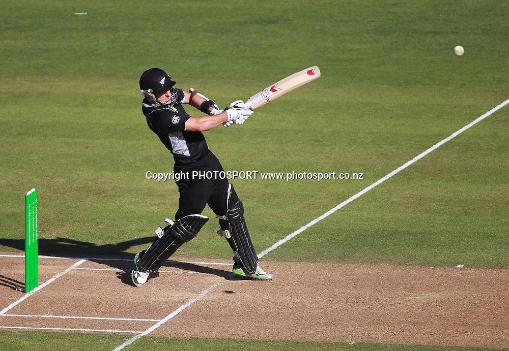 Nathan McCullum batting during the 4th ODI, Black Caps v Pakistan, One Day International Cricket. McLean Park, Napier, New Zealand. Tuesday 1 February 2011. Photo: Andrew Cornaga/photosport.co.nz