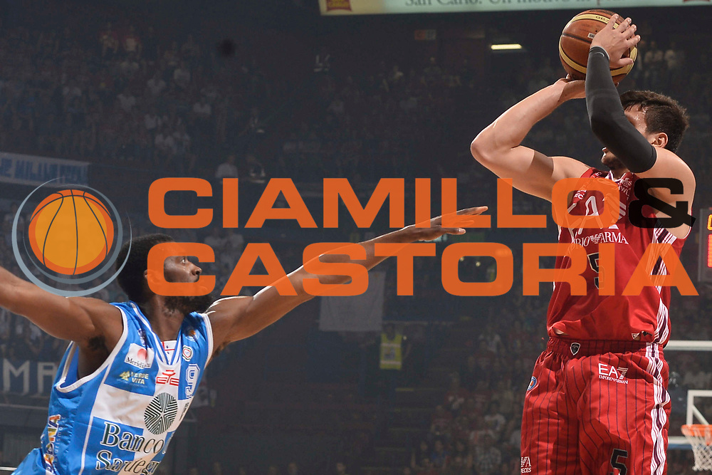 DESCRIZIONE :  Lega A 2014-15  EA7 Milano -Banco di Sardegna Sassari playoff Semifinale gara 7<br /> GIOCATORE : <br /> CATEGORIA : Low<br /> SQUADRA : <br /> EVENTO : PlayOff Semifinale gara 7<br /> GARA : EA7 Milano - Banco di Sardegna Sassari PlayOff Semifinale Gara 7<br /> DATA : 10/06/2015 <br /> SPORT : Pallacanestro <br /> AUTORE : Agenzia Ciamillo-Castoria/Richard Morgano<br /> Galleria : Lega Basket A 2014-2015 Fotonotizia : Milano Lega A 2014-15  EA7 Milano - Banco di Sardegna Sassari playoff Semifinale  gara 7<br /> Predefinita :