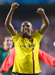 LONDON, ENGLAND - Wednesday, May 6, 2009: Barcelona's Samuel Eto'o celebrates after his side's dramatic injury time winning away goal victory over Chelsea during the UEFA Champions League Semi-Final 2nd Leg match at Stamford Bridge. (Photo by David Rawcliffe/Propaganda)