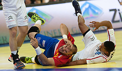 10.06.2015, Olympiahalle, Innsbruck, AUT, EHF Euro Qualifikation, Gruppe 7, Österreich vs Spanien, im Bild Valero Rivera Folch (ESP, m) und Raul Santos (AUT, r) // during the EHF Euro Qualifikation group 7 match between Austria and Spain at Olympiahalle, Innsbruck, Austria on 2015/06/10. EXPA Pictures © 2015, PhotoCredit: EXPA/ Jakob Gruber