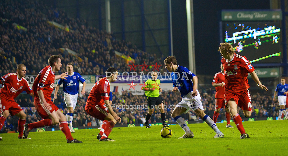 LIVERPOOL, ENGLAND - Wednesday, February 4, 2009: Everton's Dan Gosling scores a late extra time winning goal against Liverpool during the FA Cup 4th Round Replay match at Goodison Park. (Mandatory credit: David Rawcliffe/Propaganda)