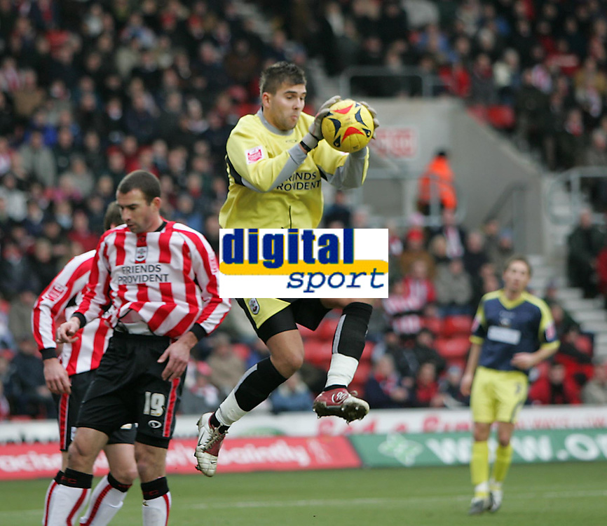 Photo: Lee Earle.<br /> Southampton v Derby County. Coca Cola Championship. 04/02/2006. Recent Southampton signing Bartosz Bialkowski (C).