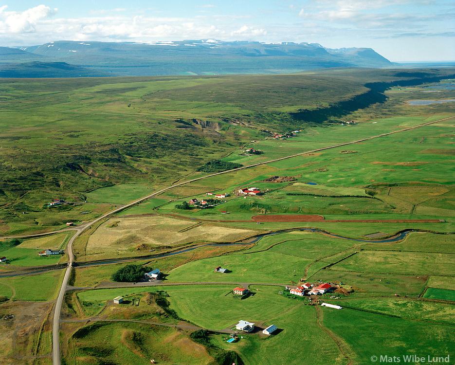 Breiðamýri, Jaðar, Einarsstaðir og Heiðarholt séð til norðnorðvesturs, Þingeyjarsveit áður Reykdælahreppur / Breidamyri, Jadar, Einarsstadir and Heidarholt viewing northnorthwest, Thingeyjarsveit former Reykdaelahreppur.