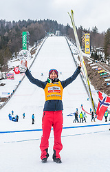 25.03.2018, Planica, Ratece, SLO, FIS Weltcup Ski Sprung, Planica, Skiflug, Einzelbewerb, Finale, im Bild Gesamtweltcupsieger Kamil Stoch (POL) mit der grossen Kristallkugel // Overall Worldcup Winner Kamil Stoch of Poland poses with the Crystal Globe during the Ski Flying Hill individual competition of the FIS Ski Jumping World Cup Final 2018 at Planica in Ratece, Slovenia on 2018/03/25. EXPA Pictures © 2018, PhotoCredit: EXPA/ JFK