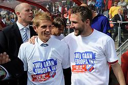 16-05-2010 VOETBAL: FC UTRECHT - RODA JC: UTRECHT<br /> FC Utrecht verslaat Roda in de finale van de Play-offs met 4-1 en gaat Europa in / Michael Silberbauer en Mihai Nesu<br /> ©2010-WWW.FOTOHOOGENDOORN.NL