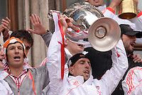 FUSSBALL TRIPELPARTY  SAISON  2012/2013  02.06.2013 Champions Party des FC Bayern Muenchen nach dem Gewinn des DFB Pokal und Triple.  Arjen Robben (li) und Franck Ribery (re)