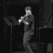 Joshua Bell rehearsing