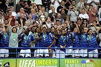 Fotball<br /> Frankrike<br /> Foto: Dppi/Digitalsport<br /> NORWAY ONLY<br /> <br /> FOOTBALL - UEFA EURO 2010 UNDER 19 - FINAL - FRANKRIKE v SPANIA  - 30/07/2010 <br /> <br /> CELEBRATION FRANCE WITH TROPHY