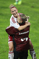 20111026 Barcelos: Portugal vs. Dinamarca, UEFA Women's Euro 2013 Qualifying, Group 7. In picture: Theresa Nielsen celebrates the final score of 3-0 for Denmark. Photo: Pedro Benavente/Cityfiles